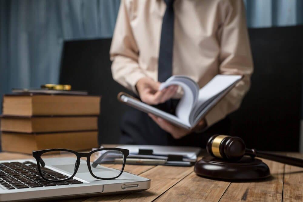 Entenda a cláusula de garantia pré-aposentadoria